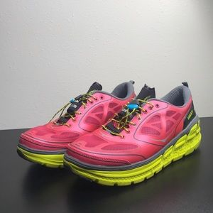 Hoka one one W. Conquest road running shoes sz 9.5